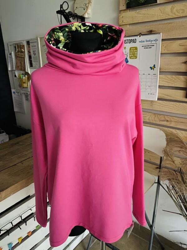 Bluza różowa z kominem we flamingi
