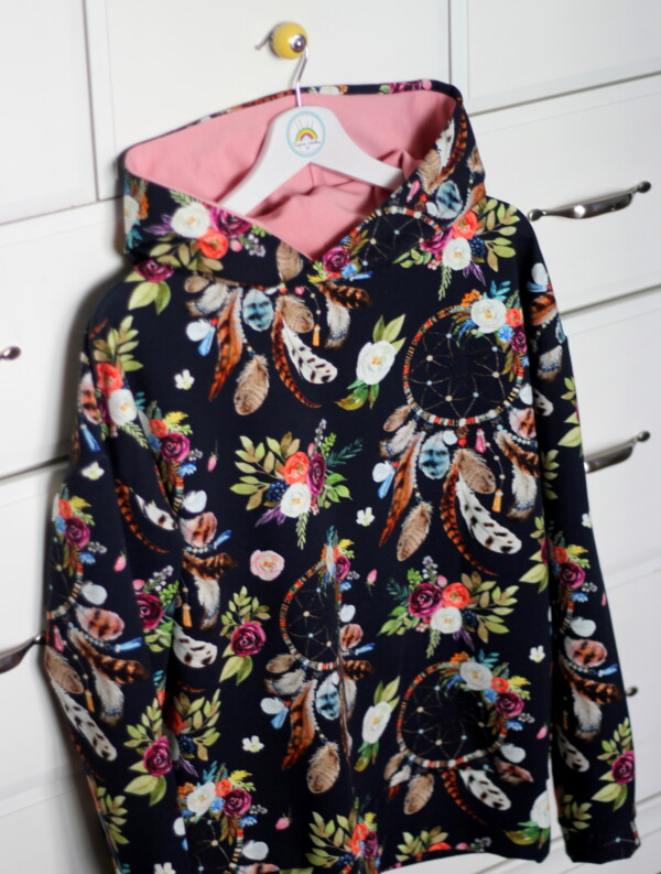 Bluza z kapturem w stylu boho