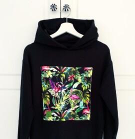 Bluza czarna z naszywką z flamingami