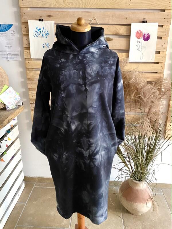 Sukienka z kapturem czarny tie dye
