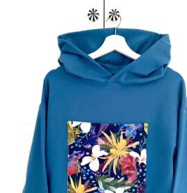 Bluza morska z kapturem i naszywką modern art