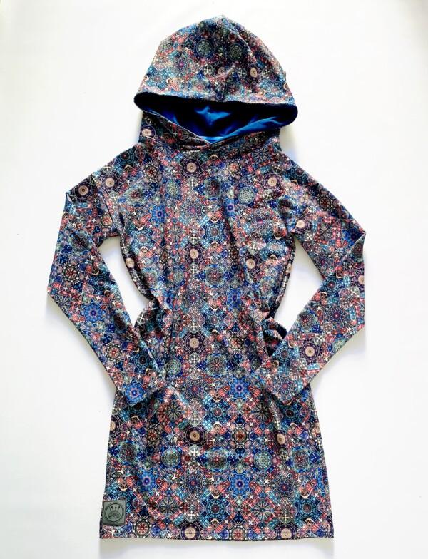 Sukienka z kapturem niebieskie mandale